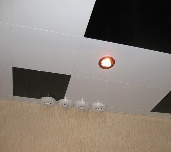 Кассетный потолок На скрытой подвесной системе 600x600мм